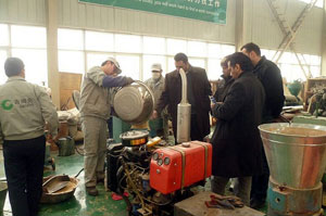 Saudi arabian clients buy diesel pellet machine